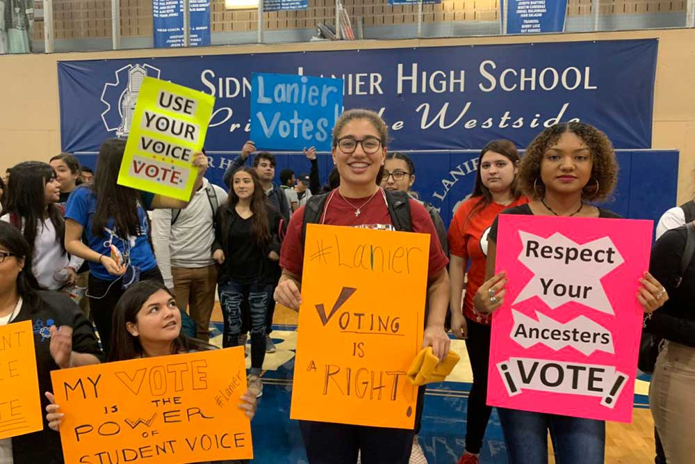 Like any smart person with a messy closet, SAISD is getting help from organizers.